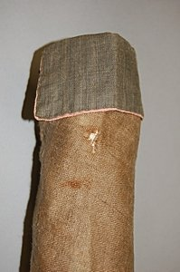 113: A rare infant's brown linen frock coat, circa 1780 - 4