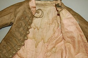 113: A rare infant's brown linen frock coat, circa 1780 - 6