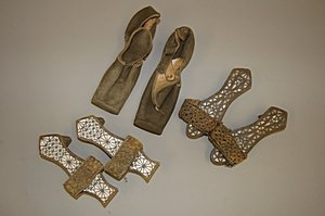 1019: A pair of sandals and a pair of pattens, Syrian o