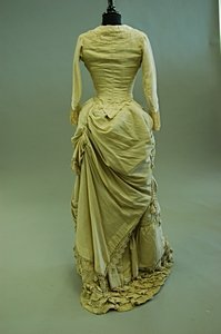1097: A pink silk ball gown, early-mid 1880s, with two  - 2