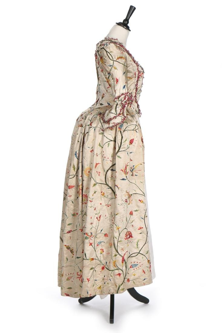 A Chinese embroidered robe à l'Anglaise, the satin - 3