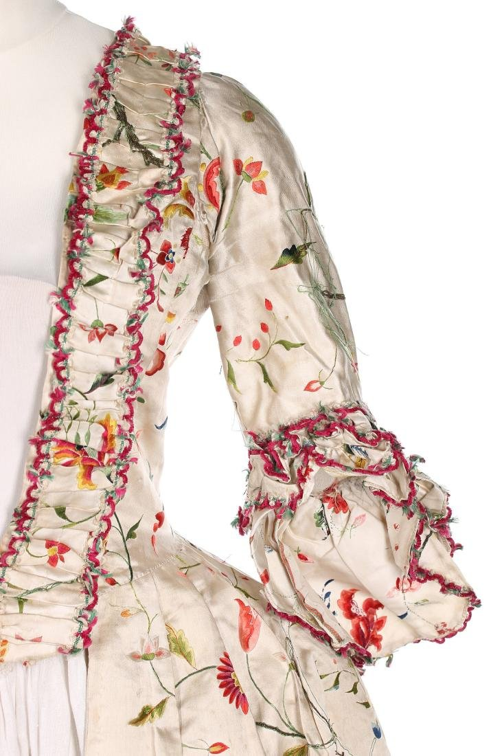 A Chinese embroidered robe à l'Anglaise, the satin - 4