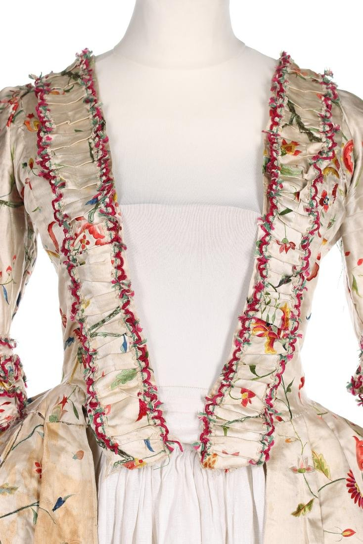 A Chinese embroidered robe à l'Anglaise, the satin - 5