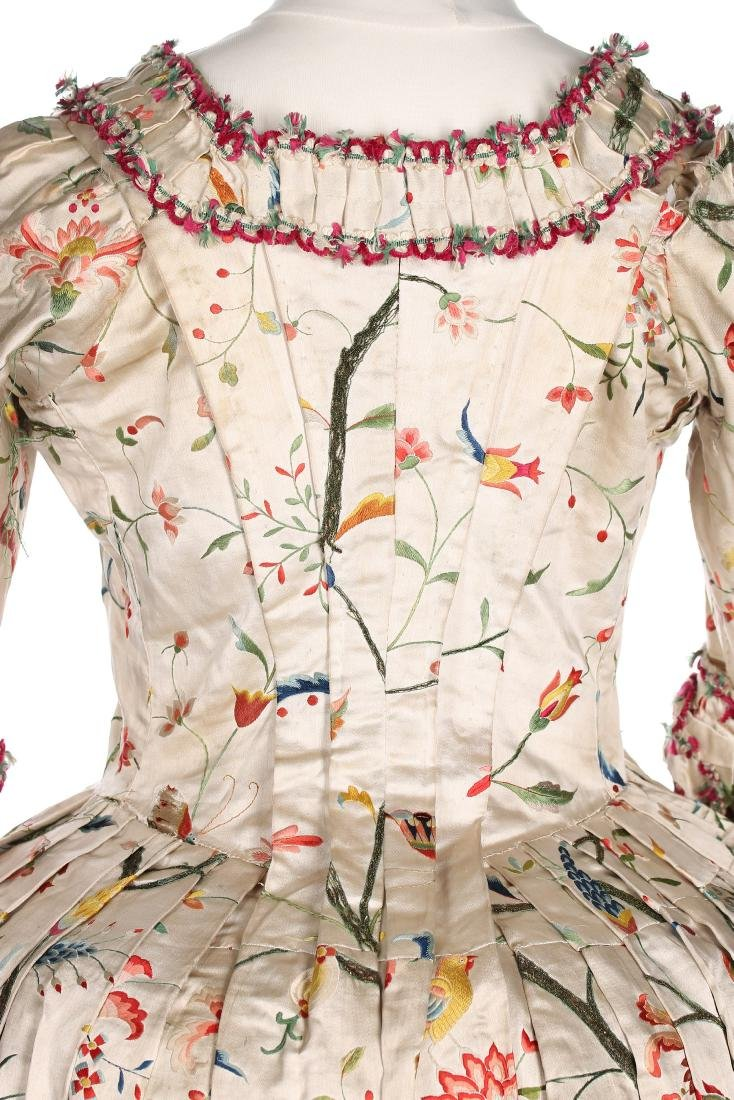 A Chinese embroidered robe à l'Anglaise, the satin - 6