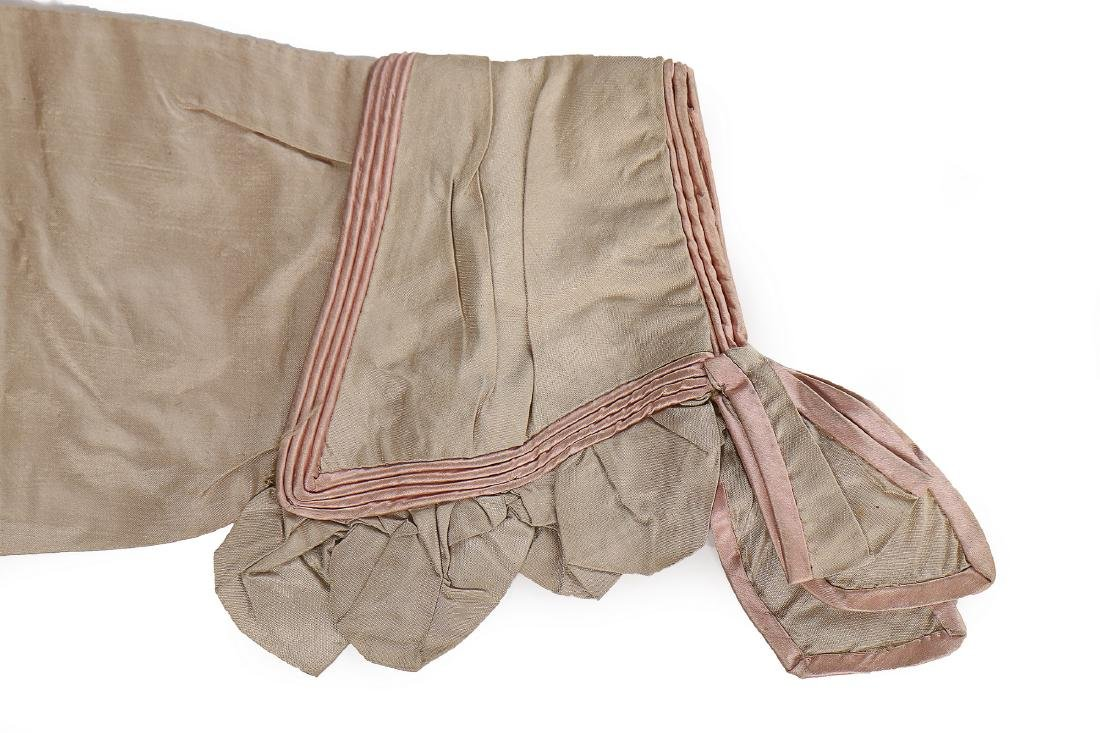 A rare beige and pink silk spencer, 1810-20, with - 5