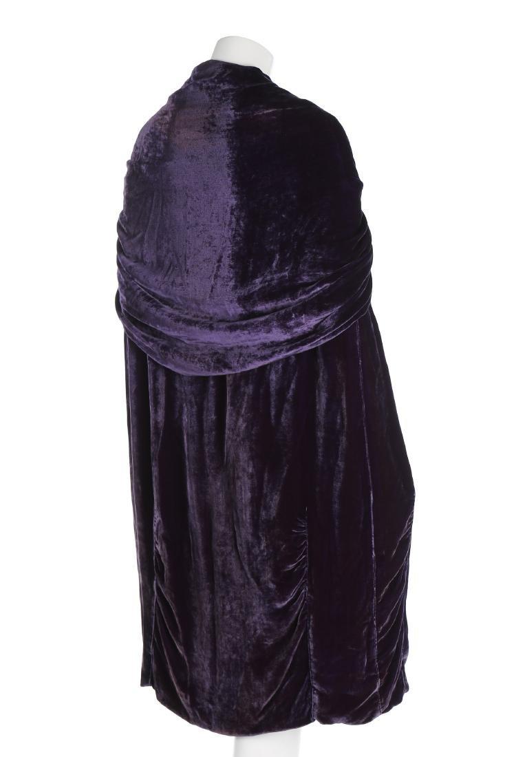 A Callot Soeurs couture purple velvet evening cape, - 3