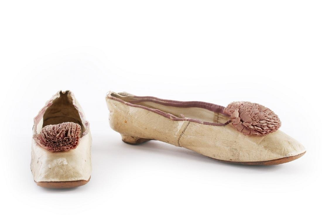 Empress Eugenie's ivory leather pumps, 1860s, with - 2