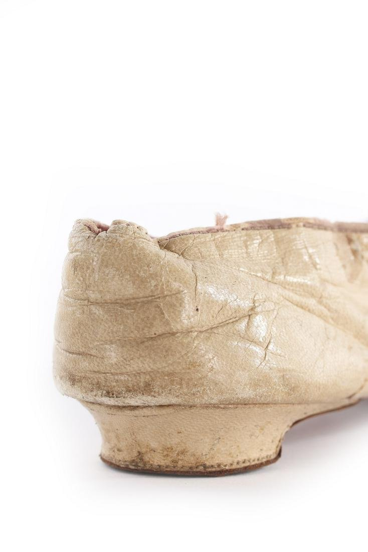 Empress Eugenie's ivory leather pumps, 1860s, with - 6