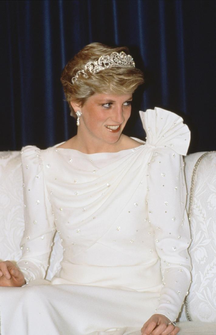 Princess Diana's fine and rare Emanuel ivory silk moss - 8
