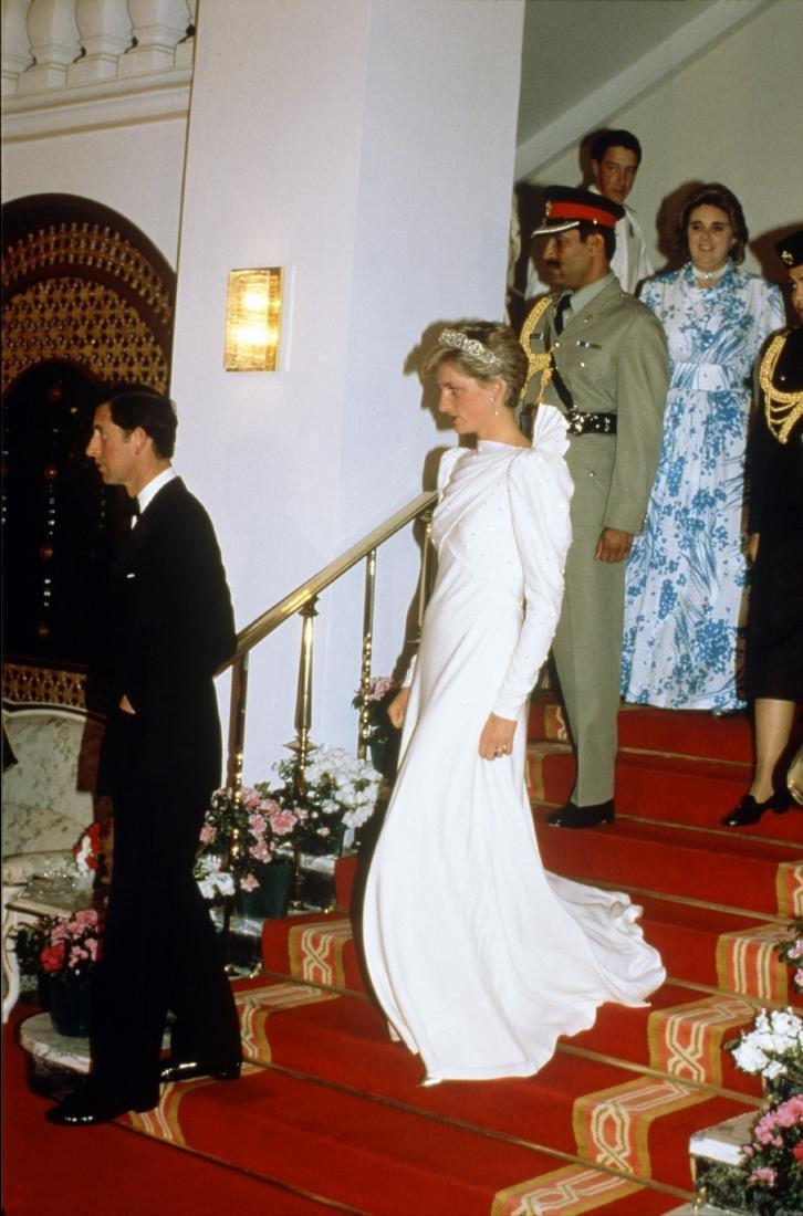 Princess Diana's fine and rare Emanuel ivory silk moss - 9