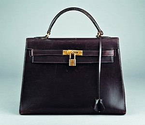 10: An Hermès chocolate brown leather Kelly bag, French