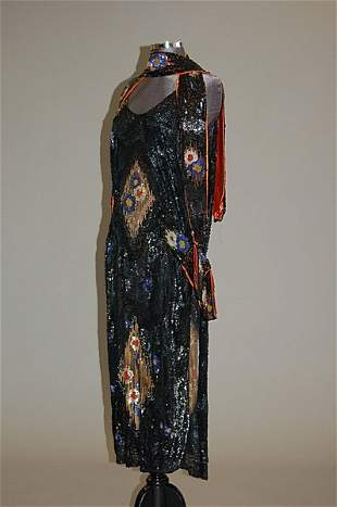 1006: A group of mainly 1920s-30s clothing and accessor
