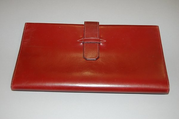10: An Hermès wine leather writing case, 1940s, stamped