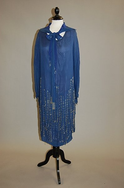 2009: A blue chiffon and beaded cocktail gown, late 192