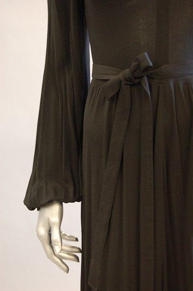 1043: A Jean Muir black jersey cocktail dress, late 197 - 6