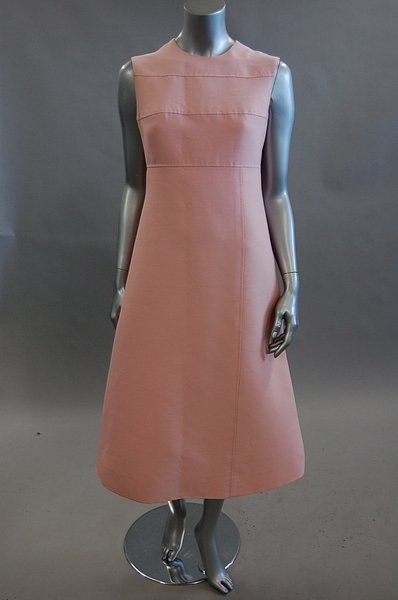 1118: A Louis Feraud pink dress and matching coat, circ - 3
