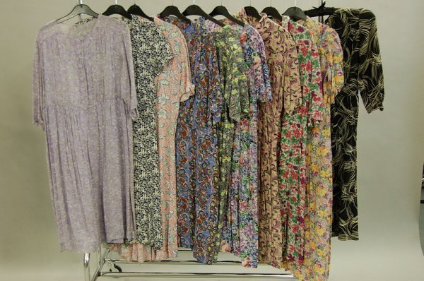 1127: Colourful day dresses, 1930s-40s, mainly floral p - 4