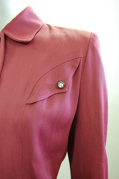 1337: Four ladies suits, late 1940s-early 1960s, compri - 5