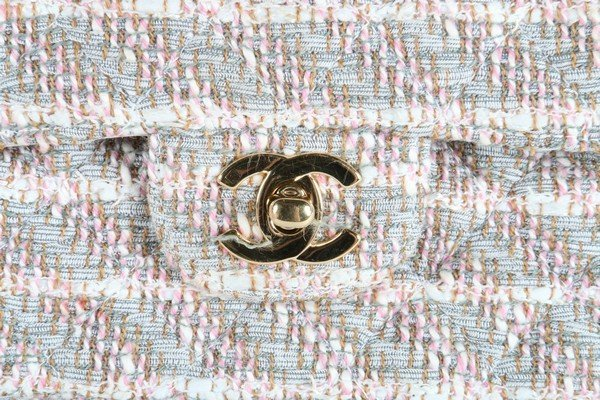 A matching Chanel tweed double flap bag, 2003, stamped - 2