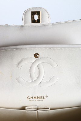 A matching Chanel tweed double flap bag, 2003, stamped - 9