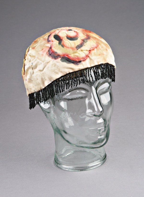 31: A Matisse-designed skull cap for a Court Lady from