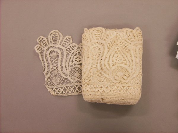 214: A large general collection of lace, mainly 1890-19