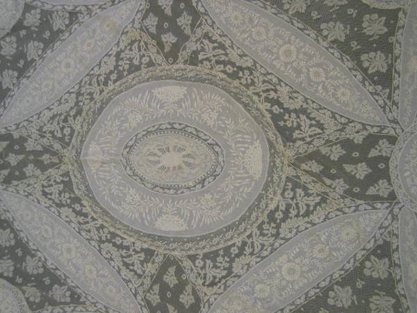 227: A Valenciennes inset coverlet, circa 1900, with wh