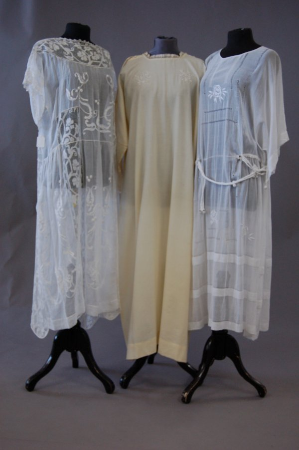 1018: Two muslin summer dresses, early 1920s, one with