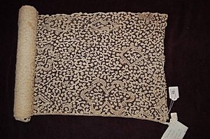 12: Two flounces of Flemish bobbin lace, late 17th-earl
