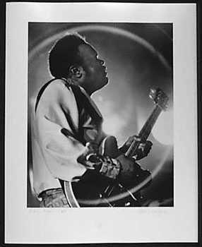 4051012: FREDDY KING 1971 SIGNED ORIGINAL BLK WHITE PHO