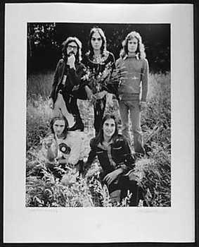 4051015: GENESIS 1972 ORIGINAL SIGNED PHOTO RARE