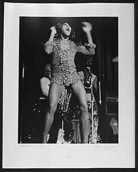 4051050: TINA TURNER 1971 LIVE RARE CONCERT PHOTO SIGNE