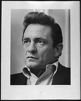 3051029: JOHNNY CASH 1968 RARE BLK WHITE SIGNED PHOTO