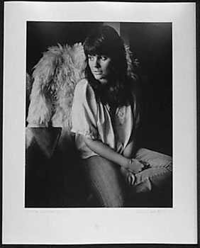 050991: 1971 Linda Ronstat Signed Original Photograph