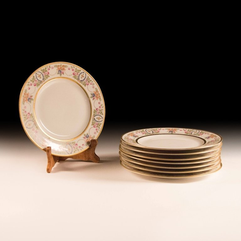 Set of Eight Hutschenreuther Plates circa 1925