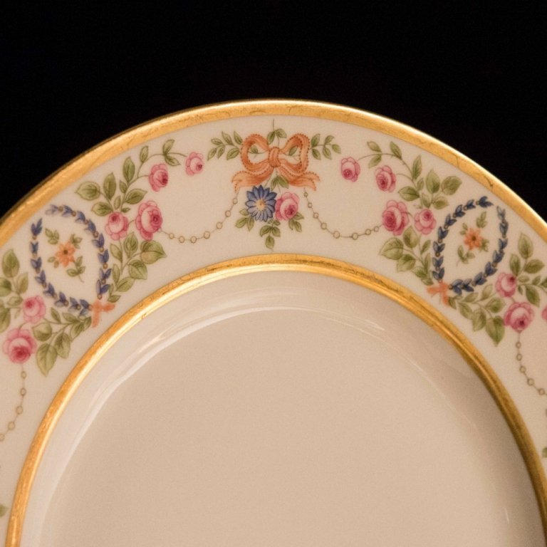 Set of Eight Hutschenreuther Plates circa 1925 - 2