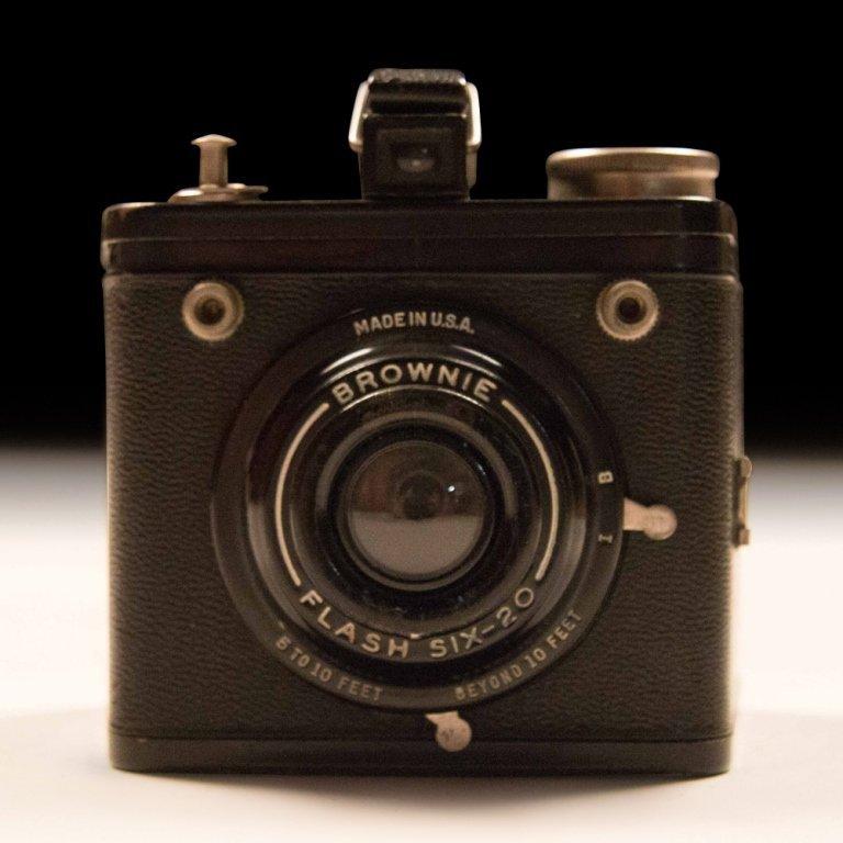 Post War 620 Kodak Brownie Camera - 3