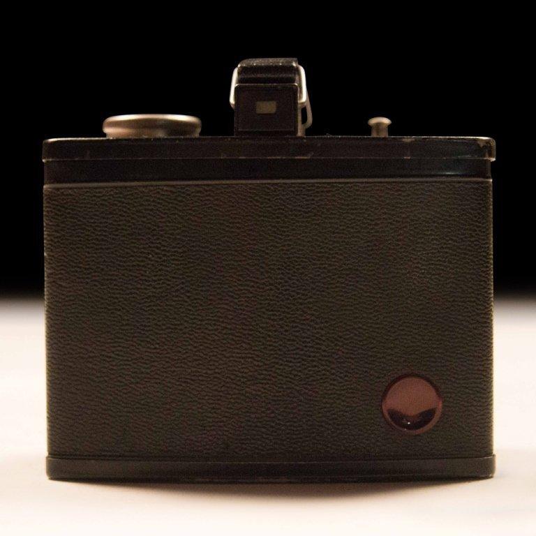 Post War 620 Kodak Brownie Camera - 4