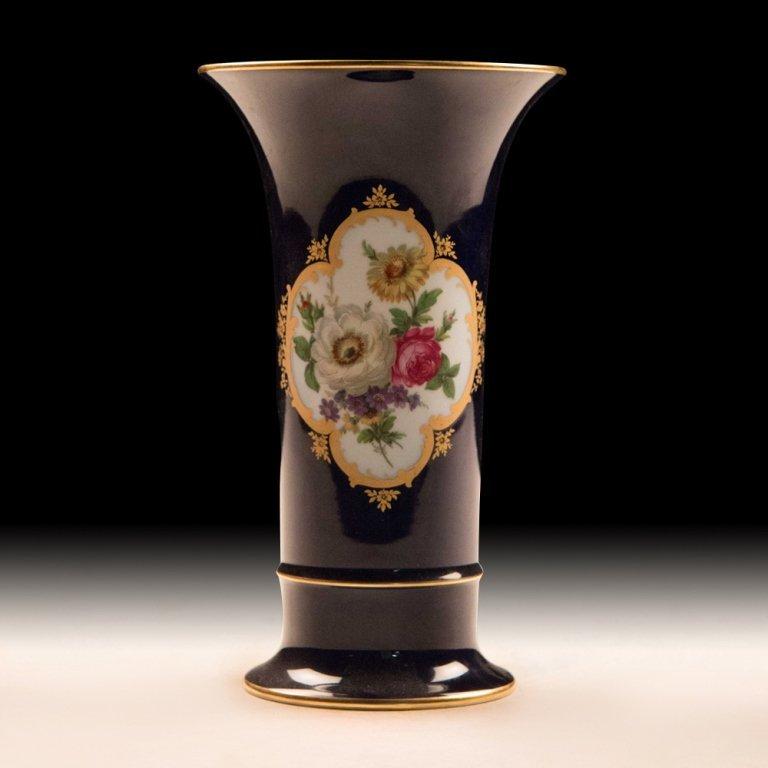 Kaiser, Germany Kobalt Vase