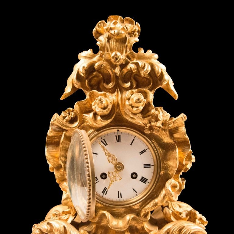 French Rococo-style Gold Plated Mantle Clock - 3