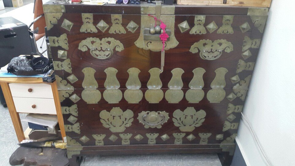 Korean original 'Kyeongki Bandaddji' ancient furniture