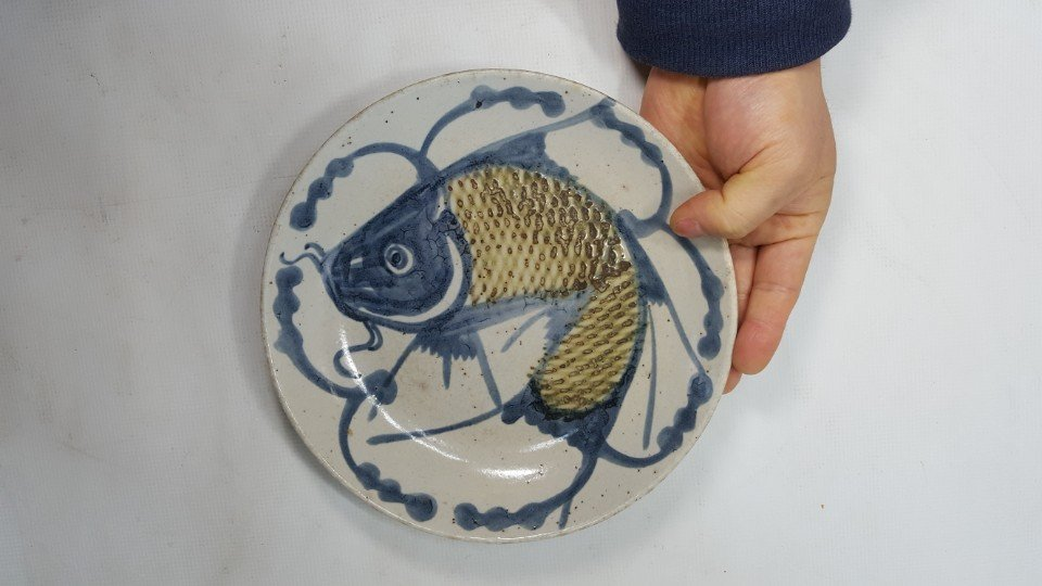 Chinese fish porcelain plate from Qing dynasty - 2