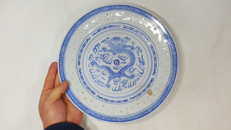 Chinese blue and white dragon porcelain plate - 2