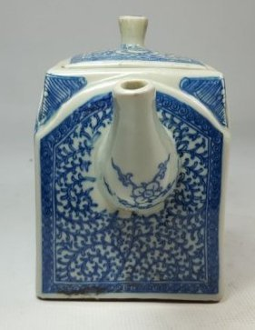 Chinese Blue and White Lotus Teapot - 2