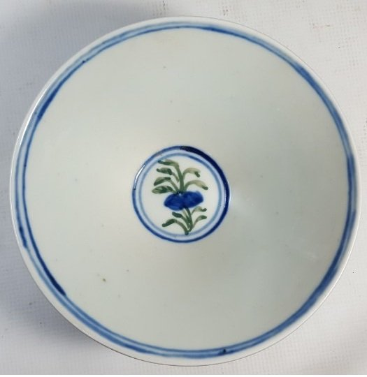 Chinese blue flower porcelain plate