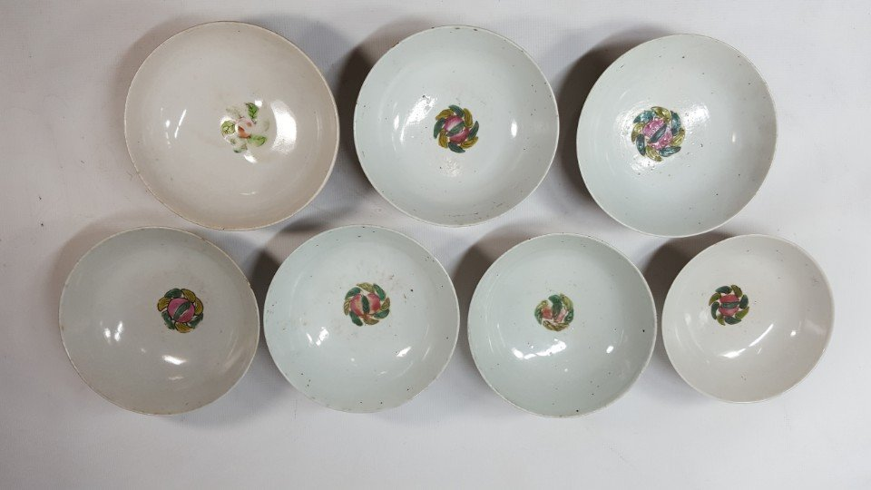 Chinese set of seven flower bowls