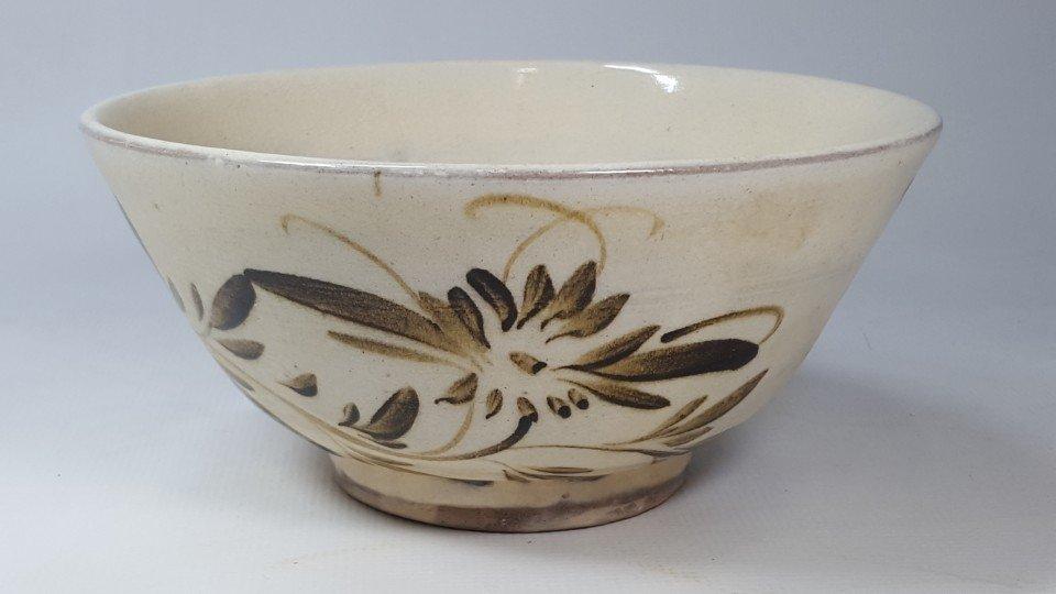 Chinese Cizhou Flower Pattern Klin Bowl
