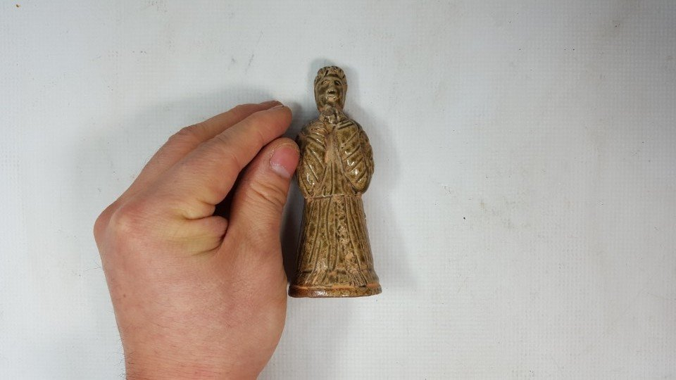 Chinese pottery figurine from Tang dynasty - 2