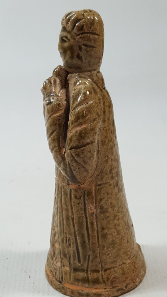 Chinese pottery figurine from Tang dynasty - 4