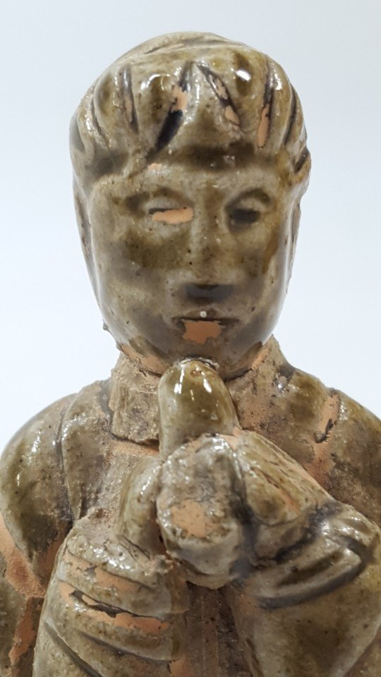 Chinese pottery figurine from Tang dynasty - 5